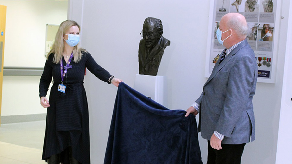 Sculpture of Captain Sir Tom Moore donated to Leeds Hospitals Charity